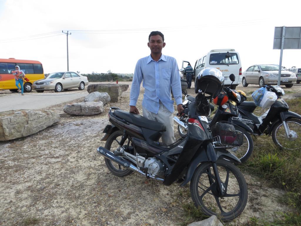 mein Fahrer um auf den Bokor Hill zu kommen