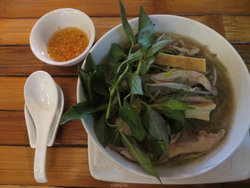 Miến măng vịt - Nudelsuppe mit Ente und Bambusprossen