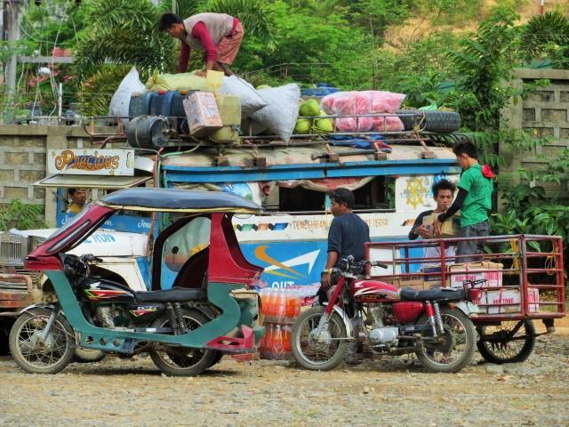 Busfahrt auf den Philippinen