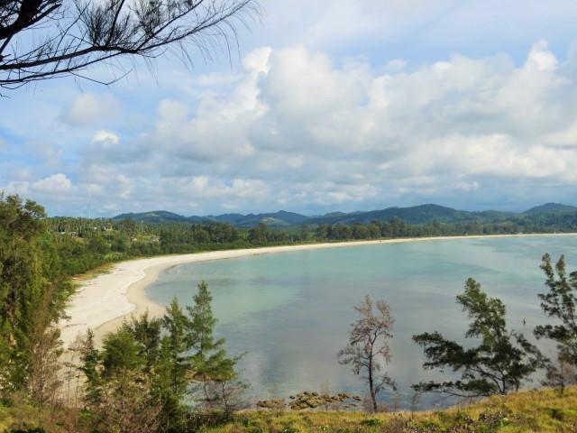 Strand an der Spitze von Borneo