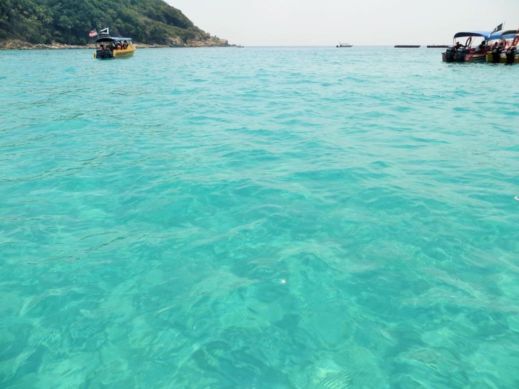 kristallklares Wasser auf den Perhentian Inseln