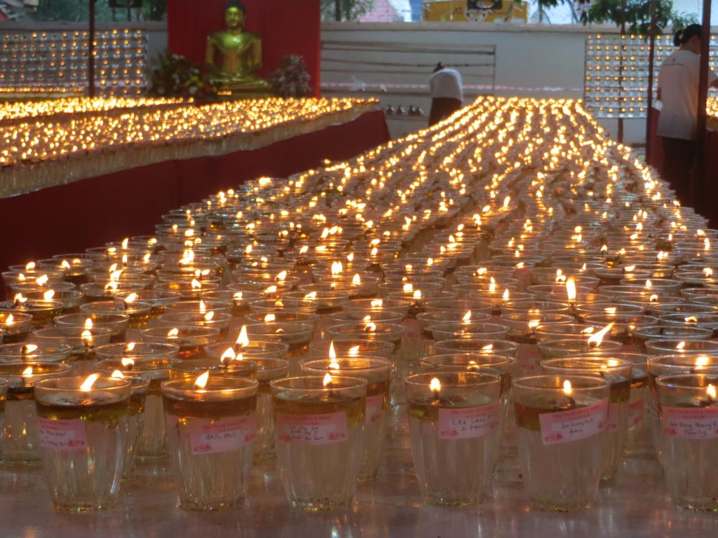 Kerzenmeer am Wesak Day