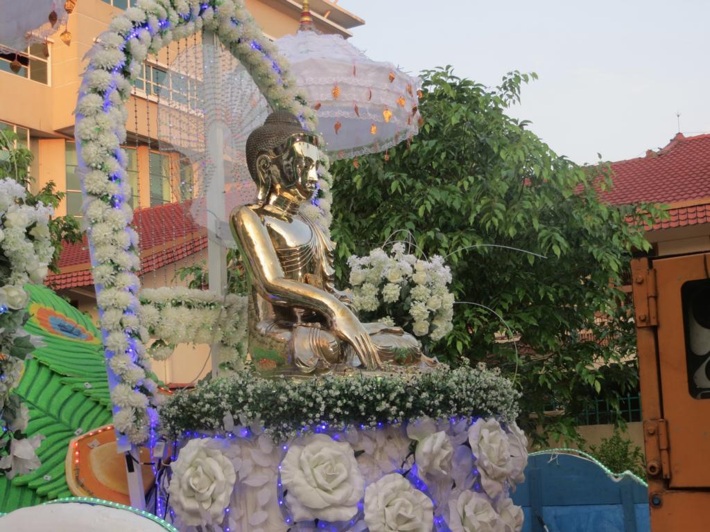 Buddha Statue für den Wesak Umzug in Kuala Lumpur