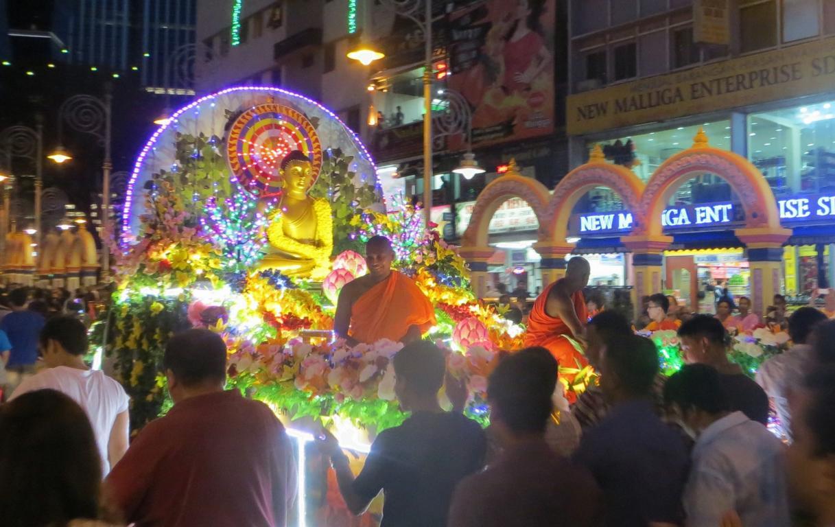 Parade zum Wesak Day in Kuala Lumpur