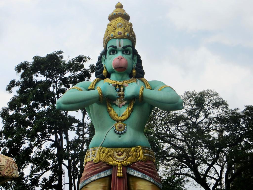 Der Affengottes Hanuman in den Batu Caves