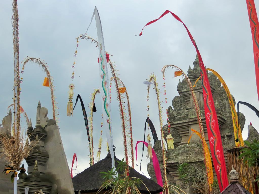 Glaube und Architektur in Indonesien sind faszinierend