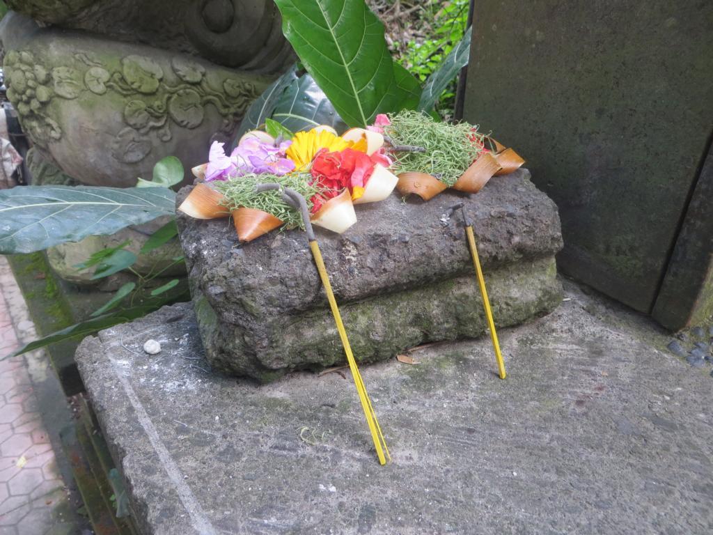 Opfergaben in Ubud, in Bali
