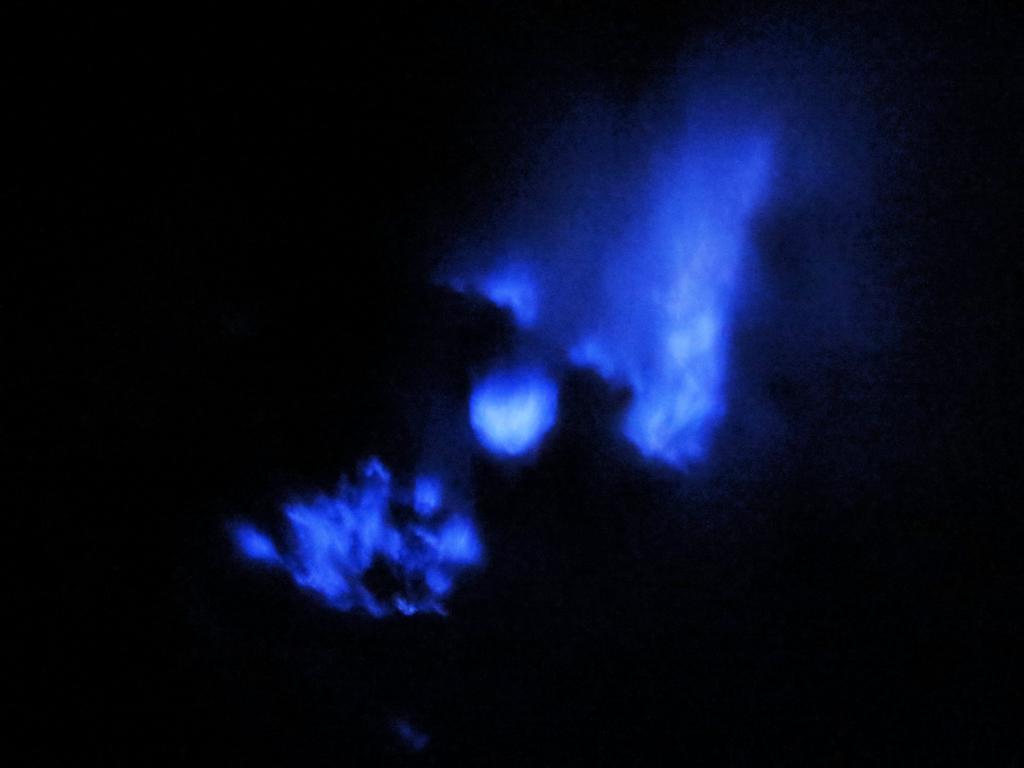 Es scheint, als würde der Vulkan Ijen brennen