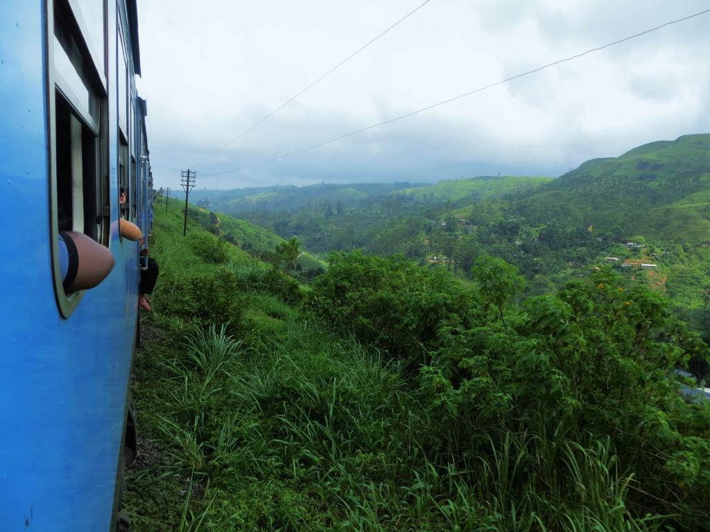 Bahnfahrt durch das Hochland von Sri Lanka