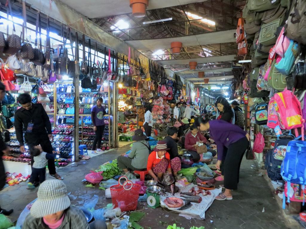 Ein üblicher Markttag in Kambodscha