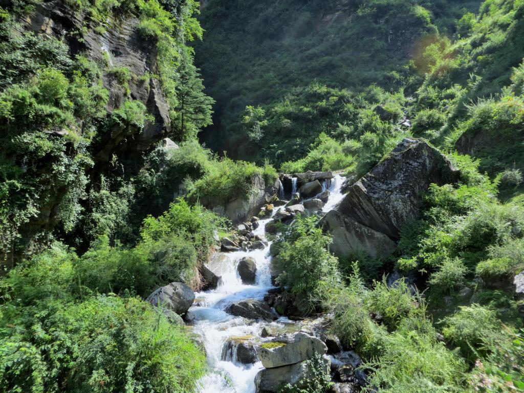 Wasserfall in der Nähe von Manali