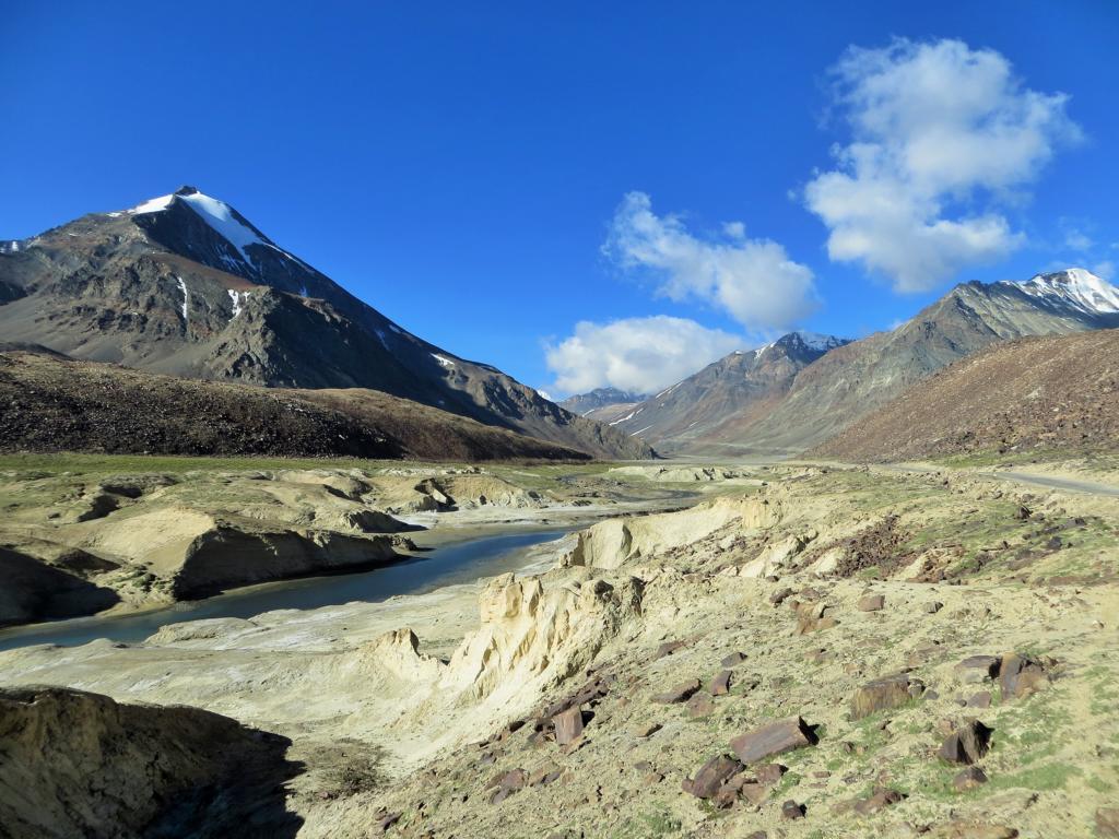 faszinierende Landschaft soweit das Auge reicht in Ladakh