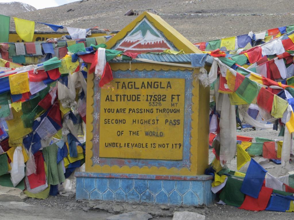 Fahrt nach Ladakh über die höchsten Pässe der Welt