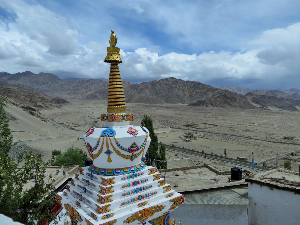 Wunderbare Aussicht vom Dach des Klosters Thiksey in Leh