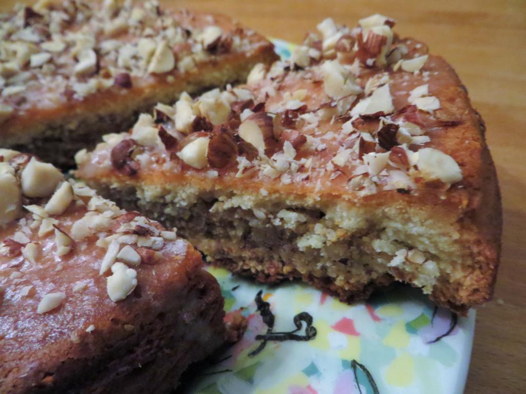 Berner Haselnusskuchen - nussig leckeres Dessertvergnügen