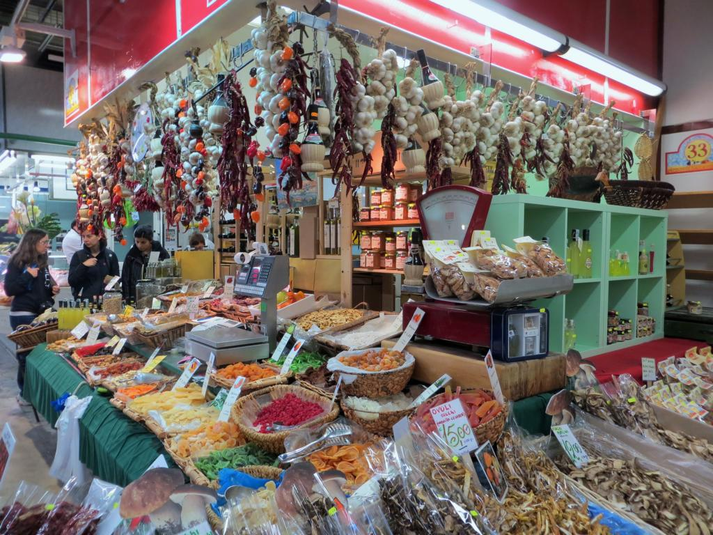 Stand im Mercato Centrale in Florenz