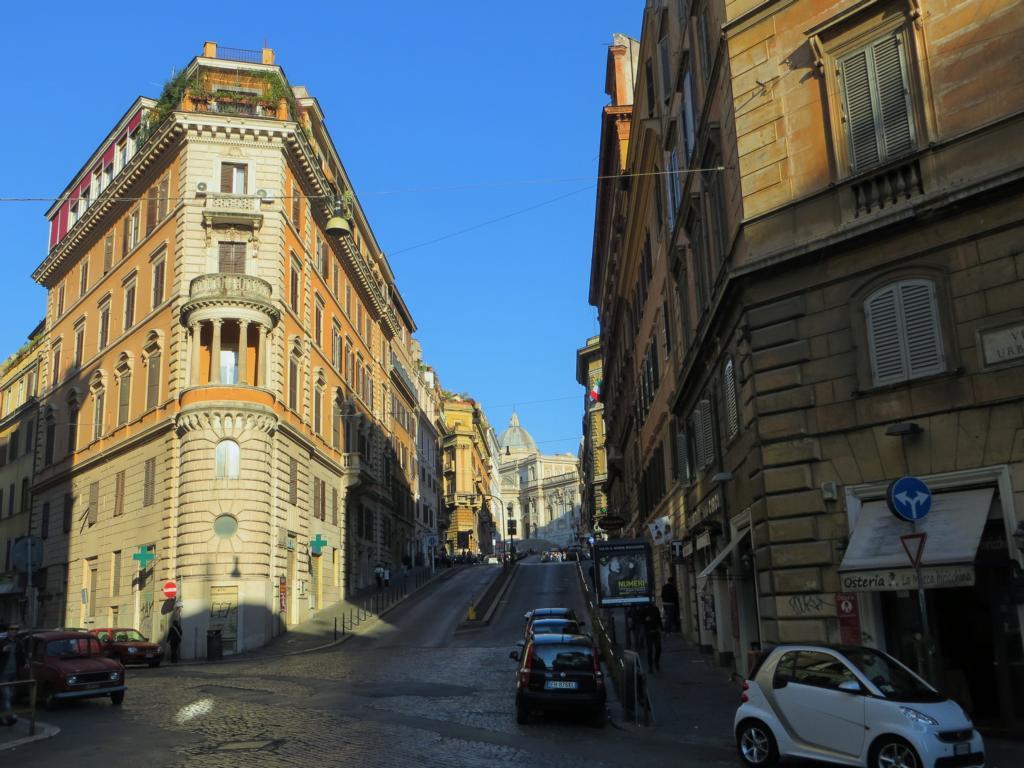 Monti, das Stadtviertel, an das das Blue Hostel angrenzt