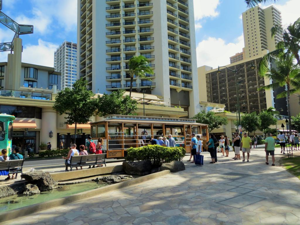 Waikiki Beach, touristischer Hotspot auf Hawaii