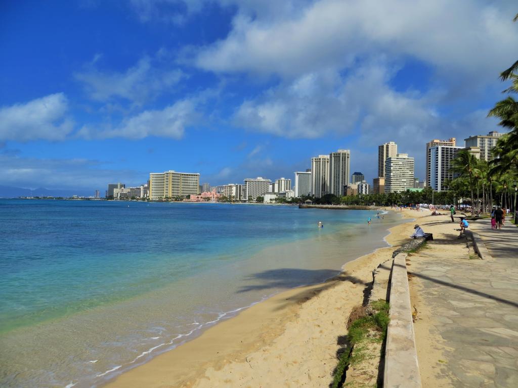 Der Strand von Waikiki auf Hawaii