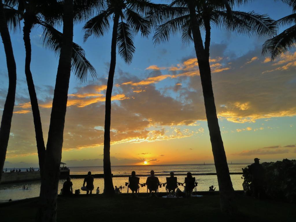 So wird in Waikiki Beach der Sonne Tschüss gesagt.