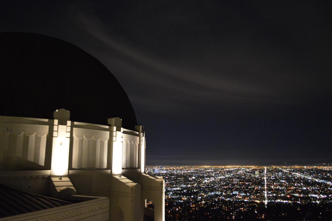 Nächtlicher Ausblick vom Griffith Observatorium auf Los Angeles.