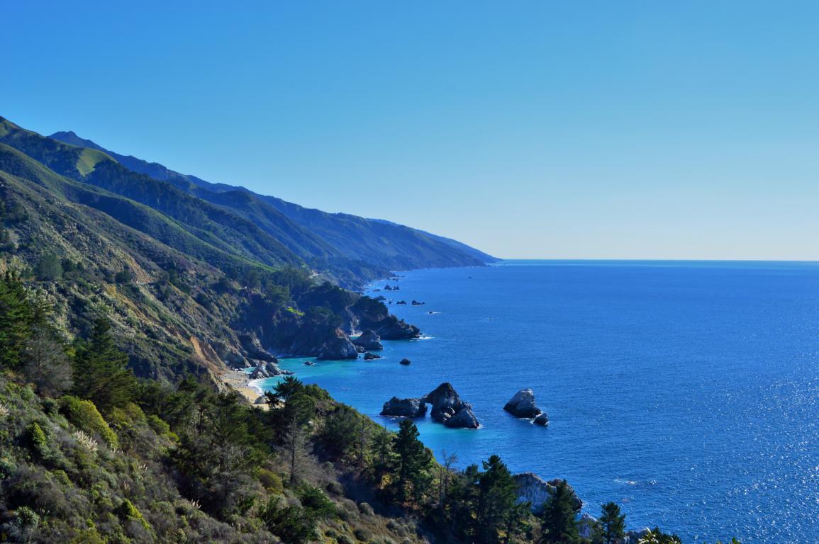 Immer wieder spektakuläre Aussichten auf dem Highway 1 in Kalifornien.