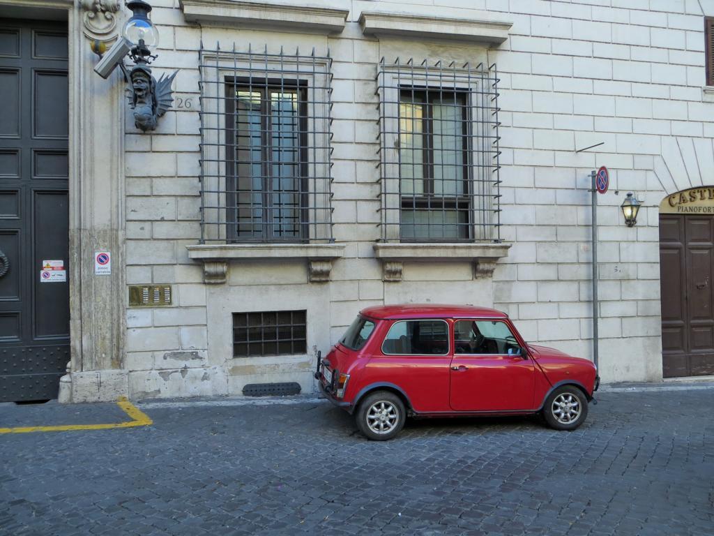 Typisches Strassenbild in Rom.
