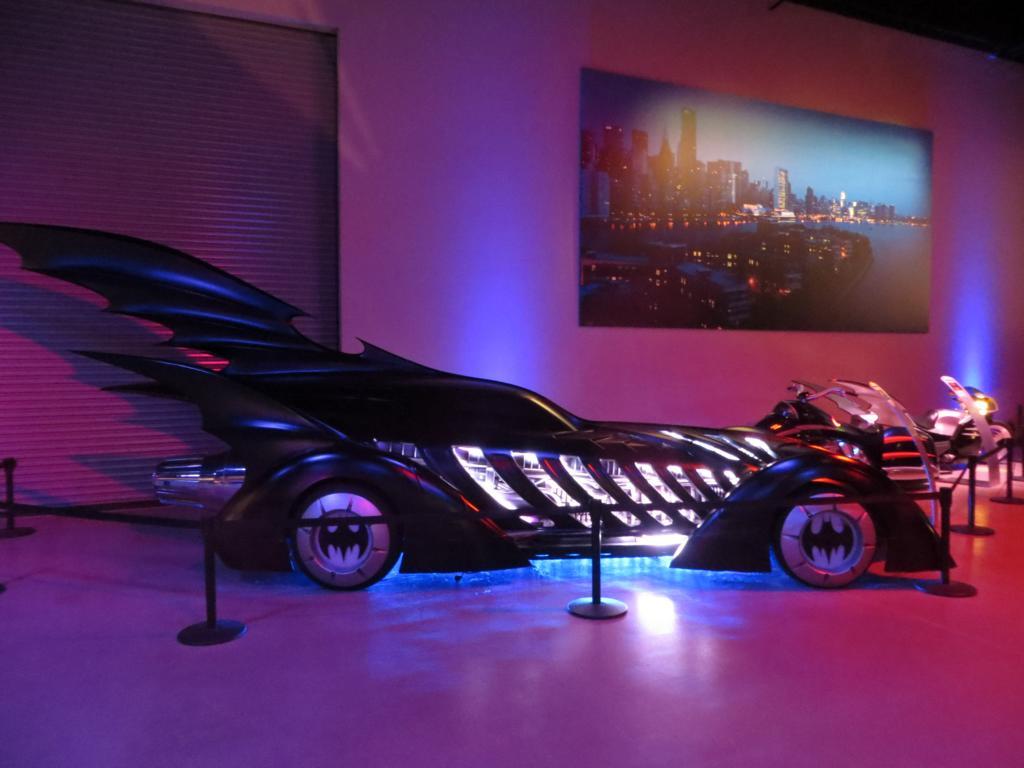 Eine tolle Ausstellung im hauseigenen Batcave mit allen Batmobiles!