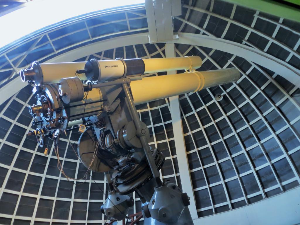 Blick durch das Teleskop des Griffith Observatoriums in L.A.