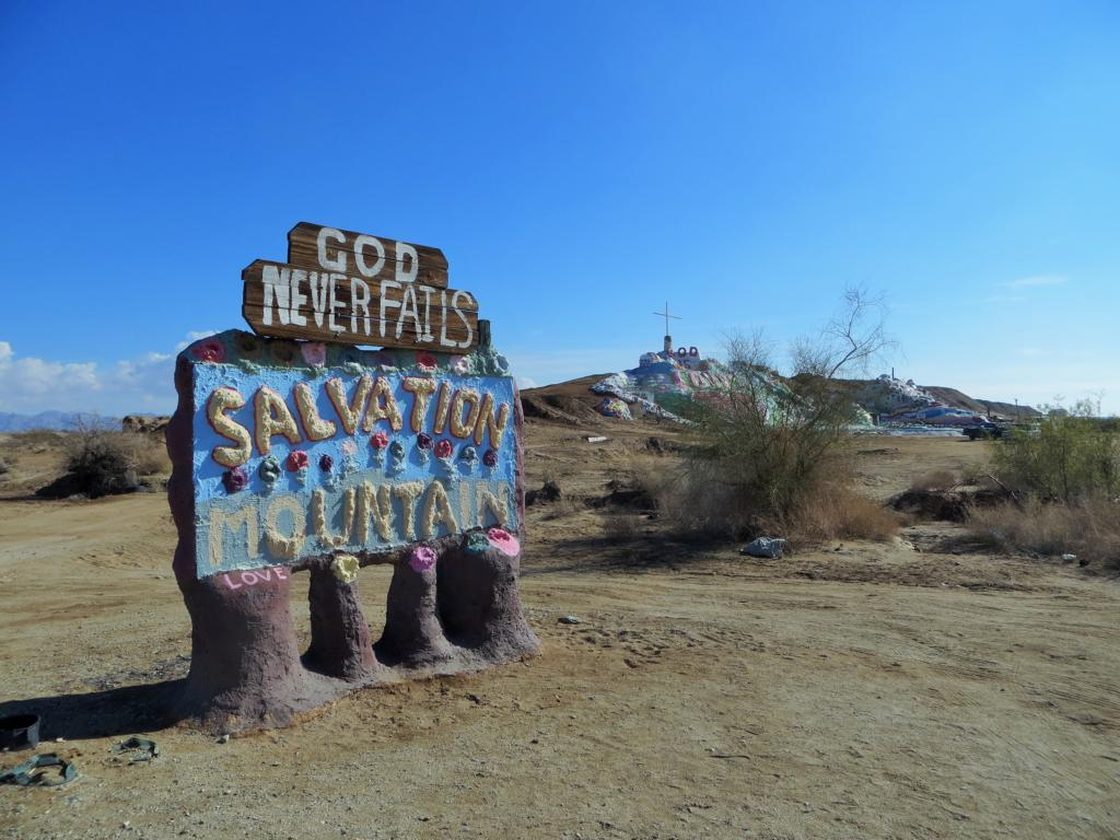 Willkommen beim Salvation Mountain in Kalifornien!