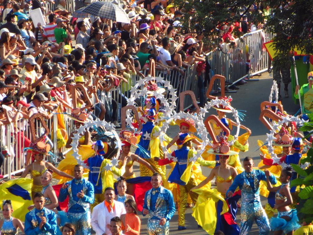 Die Feria de Cali, ein farbenfrohes Salsa Spektakel in Kolumbien.
