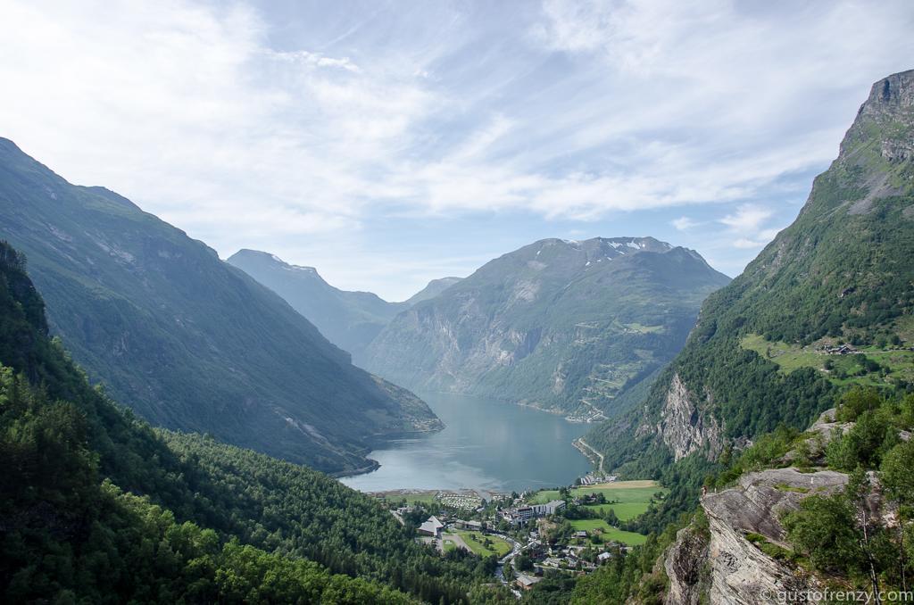 Geiranger in Norwegen. Foto: Nadine und Philipp von Gustofrenzy