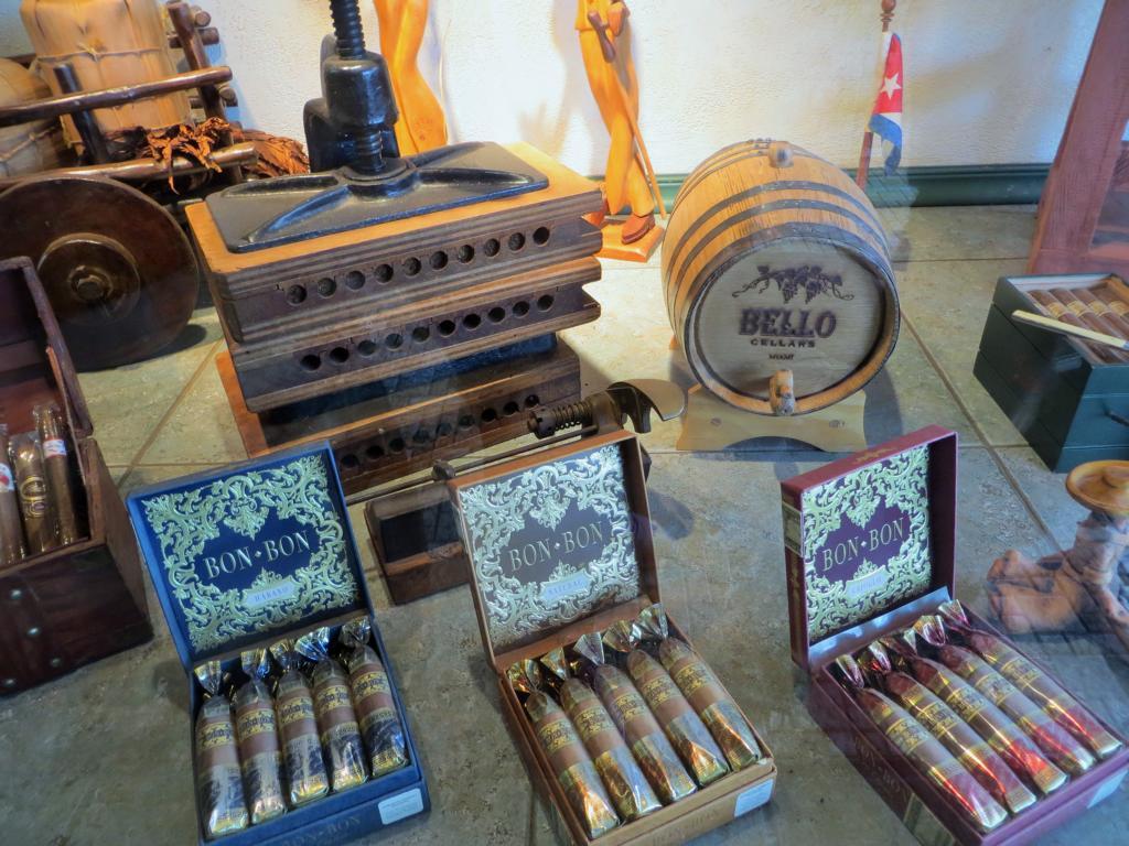 Kubanische Zigarren gibt es überall in der Calle 8 zu kaufen.