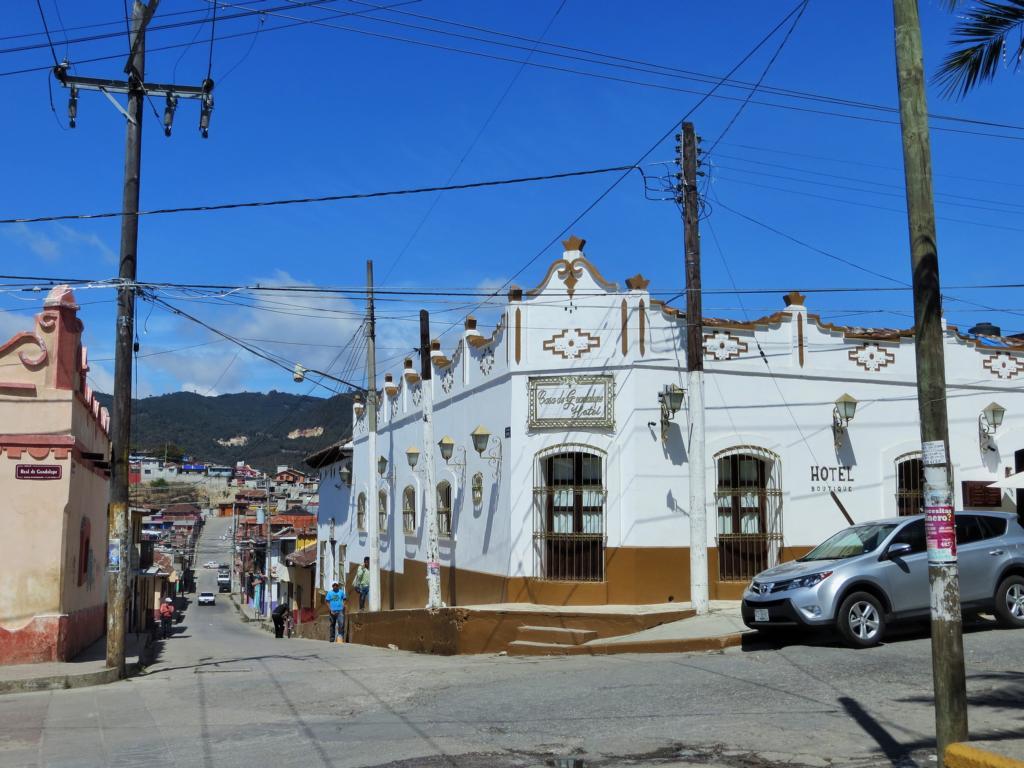 San Cristobal de las Casas in Mexiko ist eine Augenweide - überall gibt es wunderschöne Bauten.