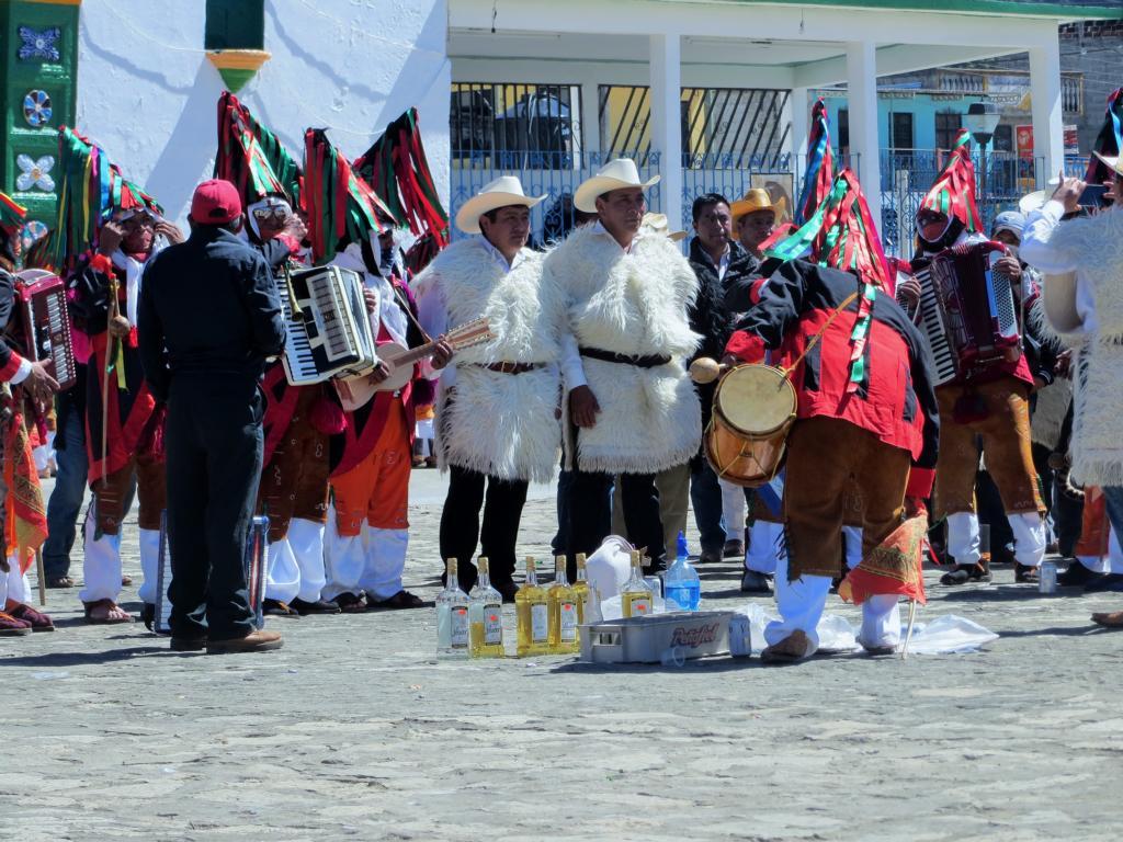 Beim Maya Karneval fliesst auch nicht wenig Alkohol.