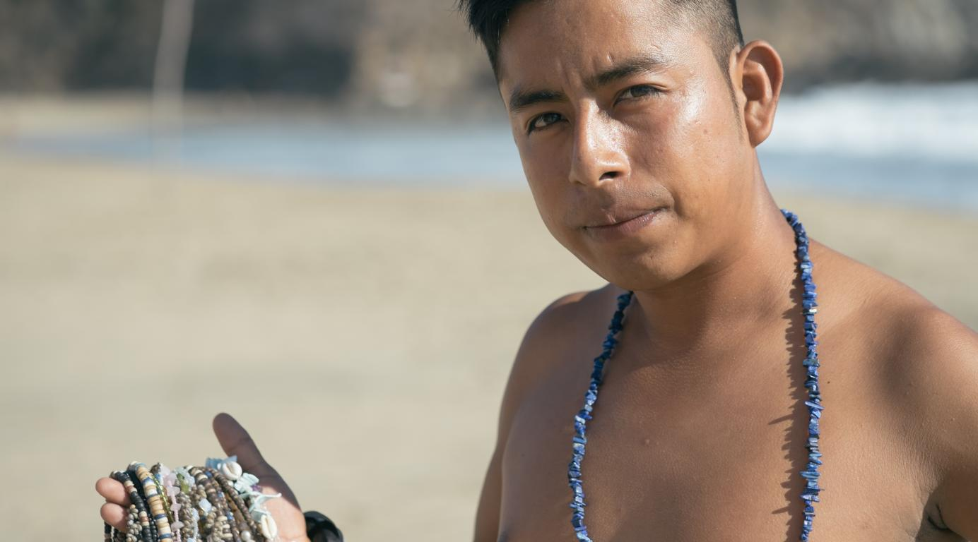 Miguel, Strandverkäufer in Mexiko. Bild: Simon und Fränzi von Um die Weltreise.