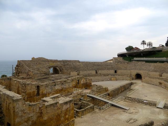 Das Amphitheater in Tarragona an der Costa Daurada in Spanien.