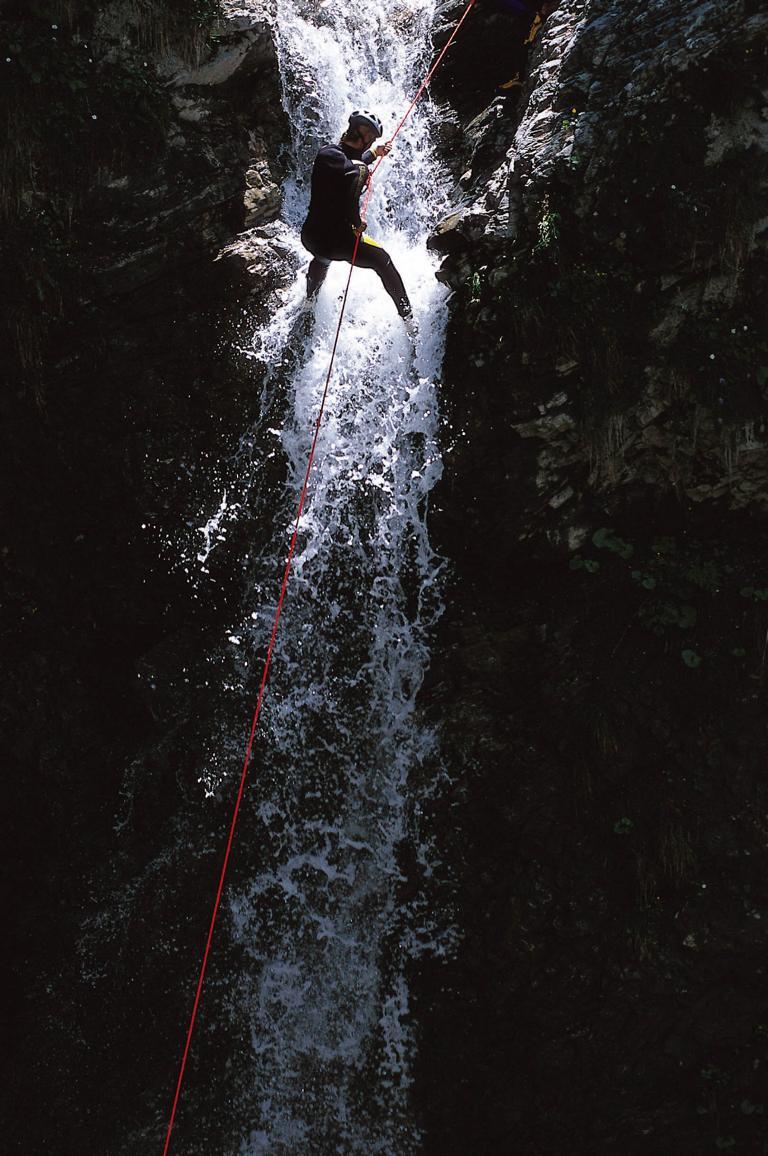 Abseilen im Canyon Teufelsklamm in Tirol. Bild: ©Tirol-Werbung