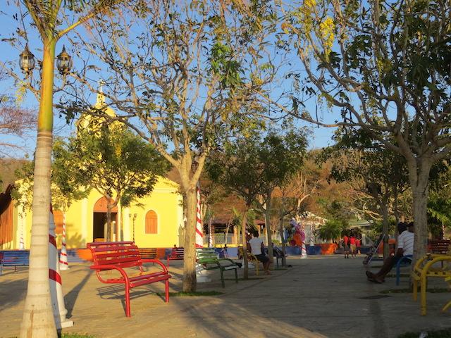 Spaziergang in San Jual del Sur, hier auf dem Kirchenvorplatz.