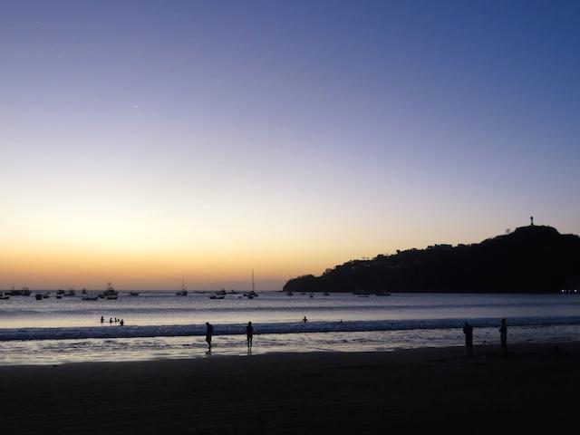 Stimmungsvoll und in wundervollen Farben präsentiert sich der Sonnenuntergang in San Juan del Sur.
