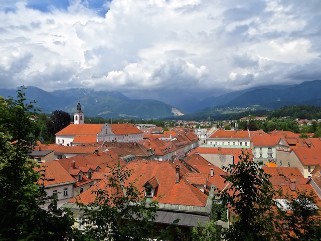 Sicht über Kamnik von der Kapelle aus.