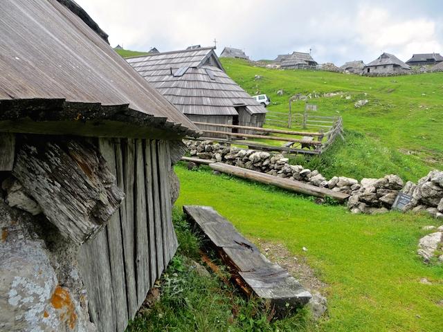 Museum in einer der ältesten Hütten in der Siedlung.