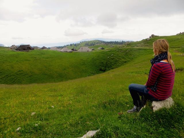 Sicht über die Hüttensiedlung der Hirten auf der Velika planina.