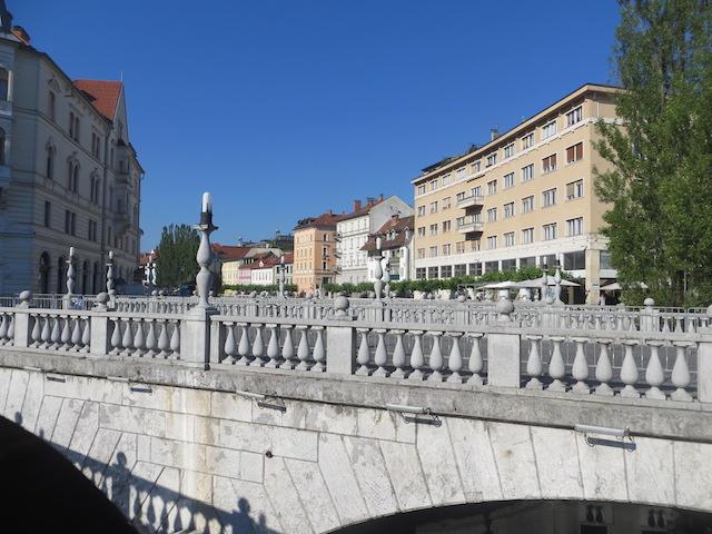 Die Stadt ist bekannt für viele Brücken.