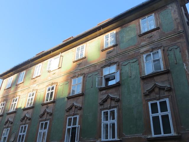 Hübsche Fassaden in der Altstadt von Ljubljana.