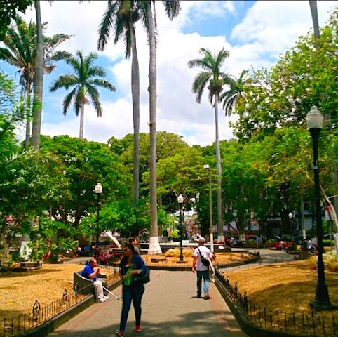 Der Hauptplatz in Alajuela.