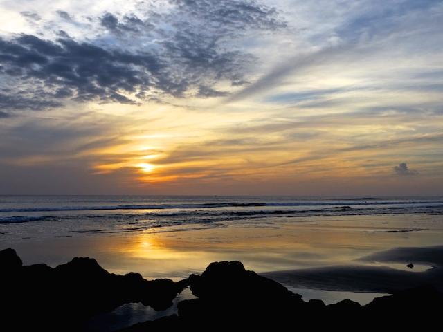 Was für ein Sonnenuntergang auf der Peninsula Nicoya in Costa Rica.