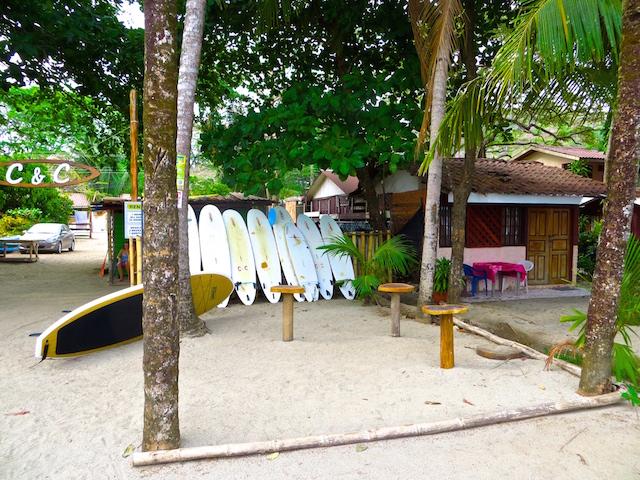Surfen in Sámara.