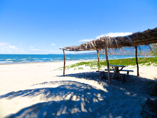 Perfekter Ort fürs Mittagessen: Der Santo Domingo Beach.