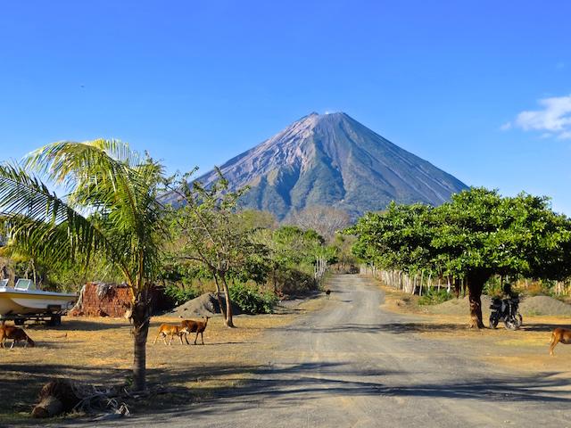 Und der Vulkan Concepcion.
